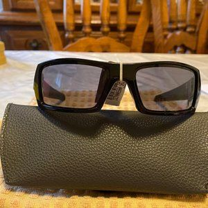 Oakley Black Wrap Sunglasses Gascan NWT